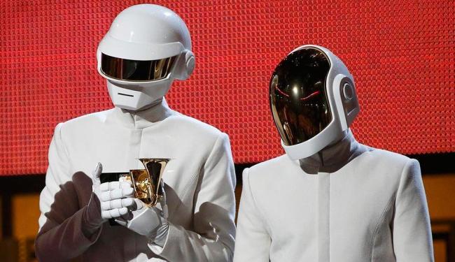 Daft Punk levou o prêmio de melhor gravação do ano por Get Lucky - Foto: Mario Anzuoni | Agência Reuters