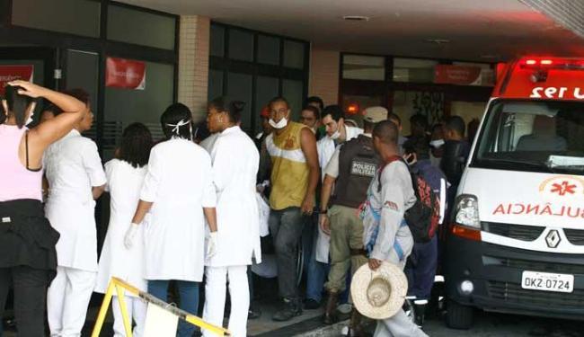 Pacientes internados foram transferidos para a emergência - Foto: Luciano da Matta   Ag. A TARDE
