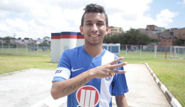 Atacantes do Bahia do jogo contra o Conquista, Rafinha (foto) e Maxi Biancucchi têm apenas 1,64m - Foto: Edilson Lima / Ag. A TARDE