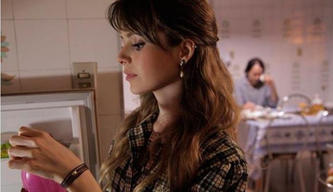 Sandy vive a personagem Bruna, uma estudante de música que se envolve com Sênior (Antonio Fagundes) - Foto: Divulgação