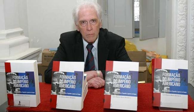 Escritor diz nunca esquecer que é baiano - Foto: Margarida Neide   Ag. A TARDE