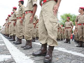 São oferecidas 70 vagas para curso de formação de oficiais da PM - Foto: Vaner Casaes | Ag. A TARDE