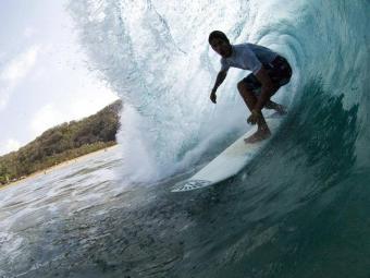 Bino Lopes parou na terceira fase das ondas tubulares de Pipeline - Foto: Bruno Veiga | Divulgação