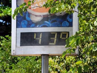 Calor e tempo seco ajudam a expandir o movimento de consumidores - Foto: Tânia Rêgo | Agência Brasil