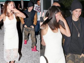 Justin Bieber e Selena Gomes flagrados saindo bêbados de restaurante na Flórida, em 2012 - Foto: Reprodução | Ofuxico