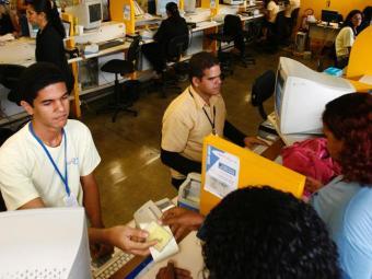 Usuários devem procurar atendimento nos postos do Iguatemi e Comércio - Foto: Marco Aurélio Martins | Ag. A TARDE