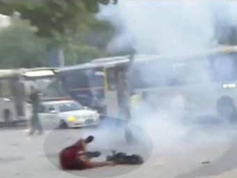 Cinegrafista foi ferido na Central do Brasil, quando cobria o protesto - Foto: Reprodução | YouTube