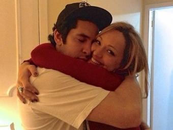 Penúltima foto de Claudia com Champignon, postada em seu Facebook após a morte do marido - Foto: Facebook   Reprodução