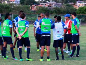 Reservas treinaram normalmente pela manhã, enquanto equipe completa se reuniu com direção pela tarde - Foto: Esporte Clube Bahia | Divulgação