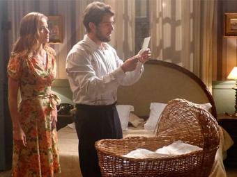 Viktor lê bilhete de Sílvia e descobre que ela voltou para mansão com Heitor - Foto: TV Globo | Divulgação