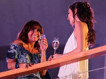 Marina quer conhecer Clara melhor e a convida para jantar - Foto: TV Globo   Divulgação