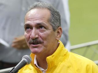 O ministro considerou 'inconcebível' o ocorrido e prestou seu apoio a Tinga - Foto: Lúcio Távora   Ag. A TARDE
