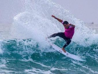 Brasileiro (foto) bate anfitrião Julian Wilson e fatura o Aberto da Austrália - Foto: Reprodução l Facebook