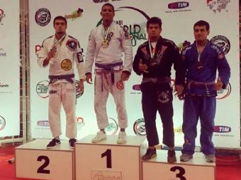 Pereira faturou medalhas em duas categorias - Foto: Esporte Clube Vitória | Divulgação