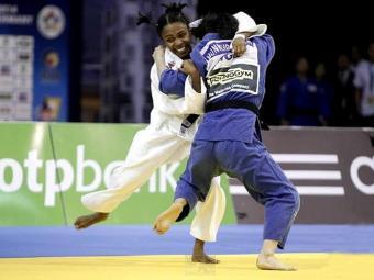 Érika Miranda chegou à semi, perdeu, mas se recuperou na repescagem para ficar com o bronze - Foto: Divulgação