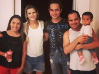 Wesley ao lado do pai Luciano, a mulher Thais Fraga e Flávia - Foto: Reprodução | Instagram