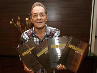 Beto Pimentel, do Paraíso Tropical, vencedor em quatro categorias - Foto: Margarida Neide | Ag. A TARDE