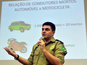 Chefe da Divisão de Planejamento Operacional da PRF, Stênio Pires, divulga balanço - Foto: Elza Fiuza   Agência Brasil