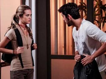 Desconfiados, Lili e Marlon resolvem deixar a comunidade - Foto: TV Globo   Divulgação