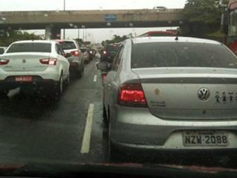 Avenida Paralela segue congestionada nos dois sentidos - Foto: Iloma Sales | Ag. A TARDE