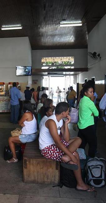 Cobrança de R$ 1 gera críticas à operadora da travessia Salvador-Mar Grande em lanchas - Foto: Lúcio Távora   Ag. A TARDE