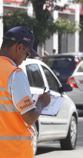 Secretário diz que Transalvador cumpre normas do Denatran - Foto: Lúcio Távora | Ag. A TARDE