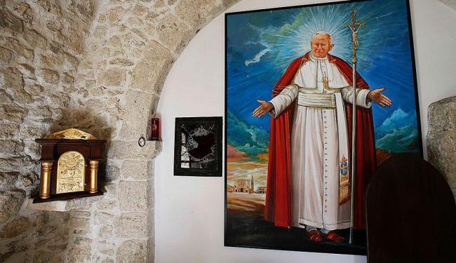 Ladrões haviam roubado relicário com sangue do Papa João Paulo II, guardado em igreja de Roma - Foto: Agência Reuters
