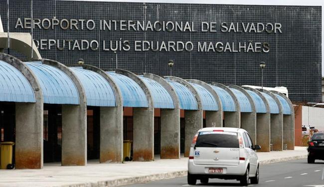 De acordo com boletim da Infraero, sete voos sofreram atrasos em Salvador - Foto: Raul Spinassé | Ag. A TARDE