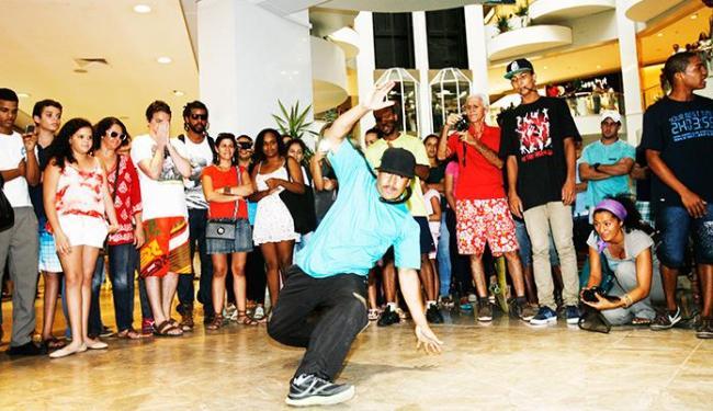 Manifestantes tocaram hip hop e dançaram break dance - Foto: Luciano da Matta / Ag. A TARDE