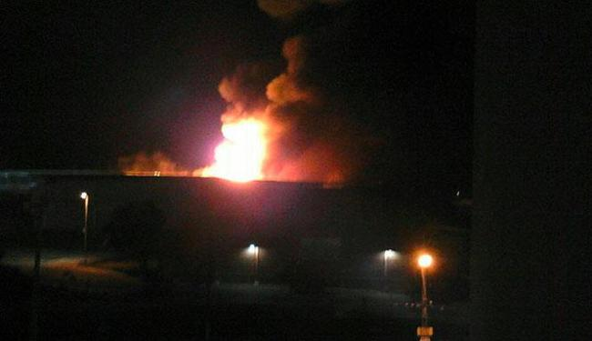 Segundo polícia incêndio começou por volta das 3h - Foto: Foto do leitor