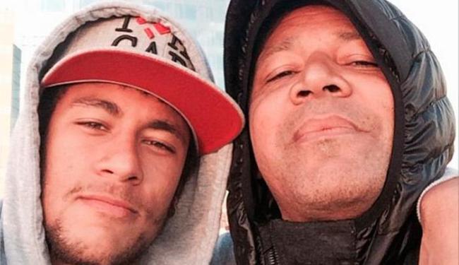 Neymar postou o texto com uma foto de seu pai em sua conta no Instagram - Foto: Instagram | Reprodução