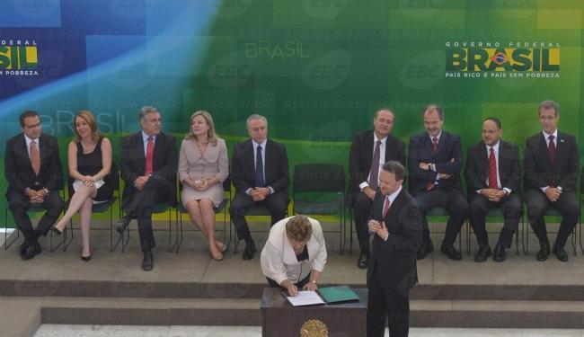 A presidenta Dilma Rousseff empossa os novos ministros - Foto: Agência Brasil