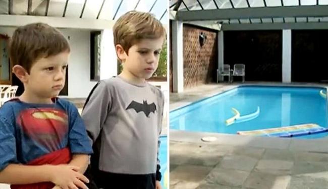 Daniel e João Pedro conseguiram resgatar idoso da piscina do prédio em que moram - Foto: Reprodução | RBS TV