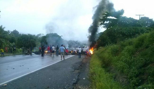 Manifestantes fecharam dois sentidos da via - Foto: Divulgação | Grupo PM-BA