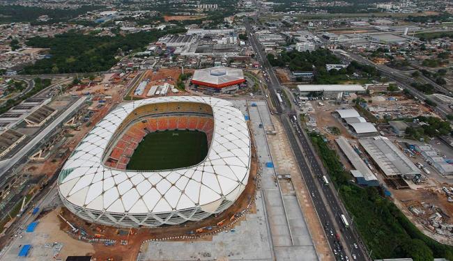 Arena Amazônia, em Manaus, localizada em grande centro de movimento de carros da capital amazonense - Foto: Bruno Kelly | Ag. Reuters