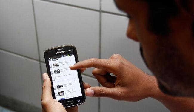 No setor de telefonia, o número de processos abertos saltou de 3.338 para 6.134 - Foto: Joá Souza | Ag. A TARDE