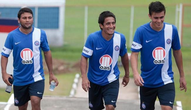 Maxi, Pittoni e Emanuel saem juntos de treino do Bahia - Foto: Edilson Lima | Ag. A TARDE