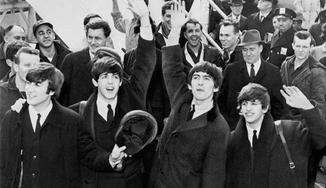 Lennon, Paul, George e Ringo chegaram aos Estados Unidos no dia 7 de fevereiro - Foto: Divulgação