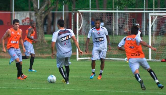 Em coletivo, reservas enfrentam time principal, que se prepara para duelo de domingo pelo Nordestão - Foto: Esporte Clube Vitória   Ag. A TARDE