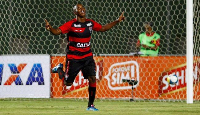 Adailton foi o autor de um dos gols do leão - Foto: Eduardo Martins   Ag. A TARDE