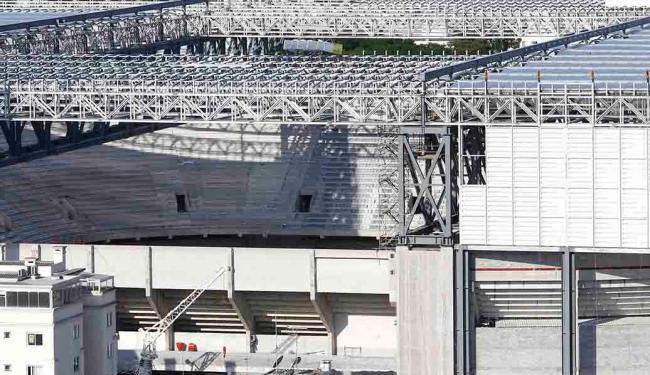Por conta do atraso nas obras, a Arena da Baixada pode ser cortada da Copa; Fifa anuncia na terça-fe - Foto: Rodolfo Buhrer   Ag. Reuters