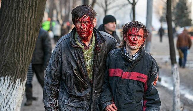 Novos confrontos entre milhares de manifestantes deixaram mortos e feridos - Foto: Vlad Sode l Reuters