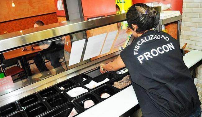 Desde o início da operação, 46 estabelecimentos foram fiscalizados e 24 deles autuados - Foto: Divulgação | Procon-BA