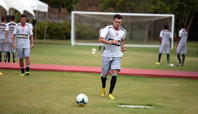 Por renovação contratual, Neto Coruja precisa jogar bem contra o Cancão de Fogo - Foto: Edilson Lima   Ag. A TARDE