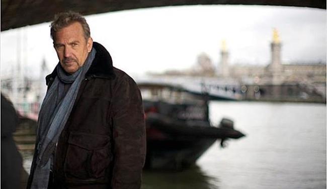 Costner interpreta um espião internacional que decide pôr um ponto final a suas arriscadas aventuras - Foto: Divulgação
