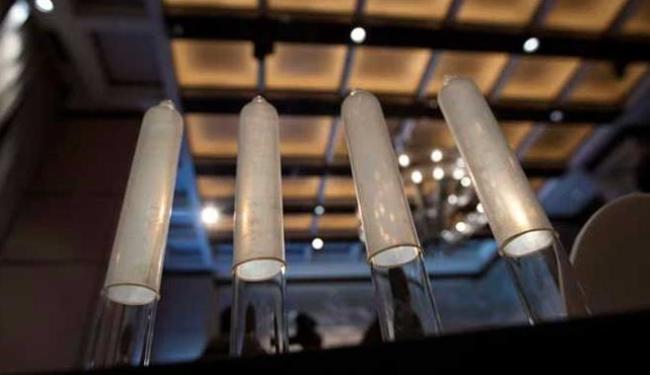 Camisinha tem espessura média de apenas 0,036 milímetros - Foto: Agência Reuters