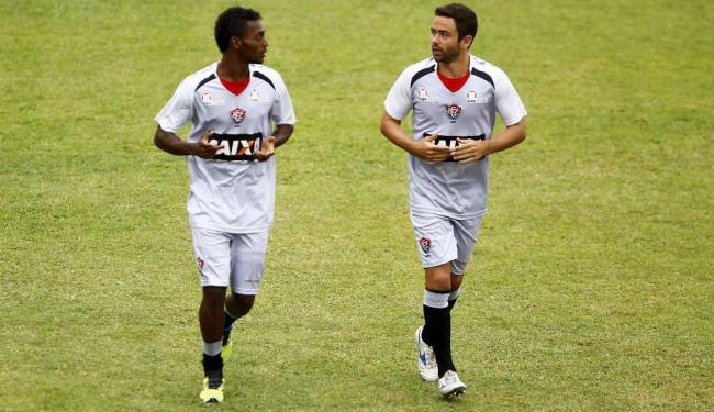 Titulares, que não atuaram na quarta, fizeram somente um treino leve em um dos campos do Barradão - Foto: Eduardo Martins   Ag. A TARDE
