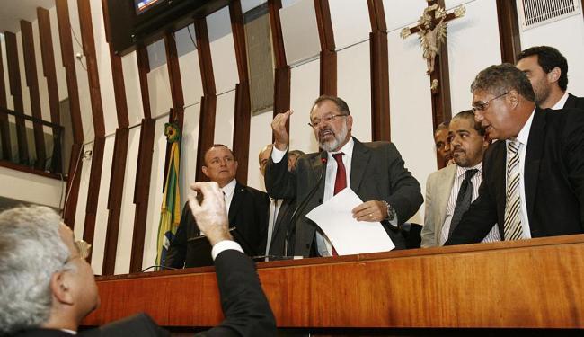 A disputa acirrada entre governistas e oposição marcou a sessão na Assembleia - Foto: Margarida Neide | Ag. A TARDE