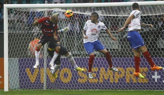 Saldo dos clássicos em 2013: três triunfos do rubro-negro, dois empates e uma vitória tricolor - Foto: Eduardo Martins | Ag. A TARDE