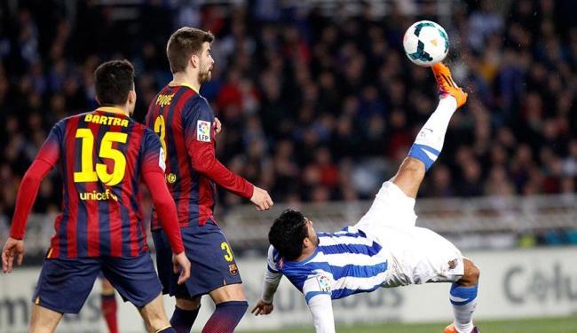 Barcelona foi surpreendido pelo Real Sociedade, em jogo fora de casa - Foto: Joseba Etxaburu | REUTERS